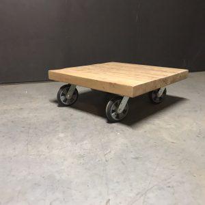 Salontafel op wielen 001